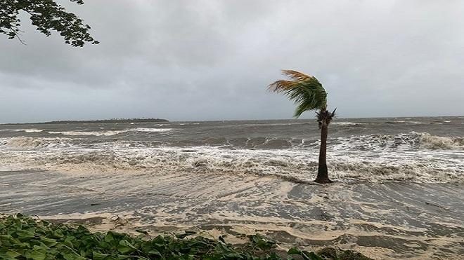 Bão Sarai áp sát Fiji, cảnh báo nguy cơ lũ quét