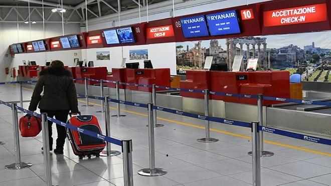 Dịch COVID-19: Thủ đô Italy đóng cửa hai sân bay