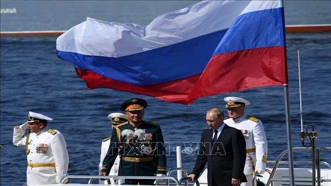 Tổng thống Putin tham dự cuộc duyệt binh Hải quân Nga