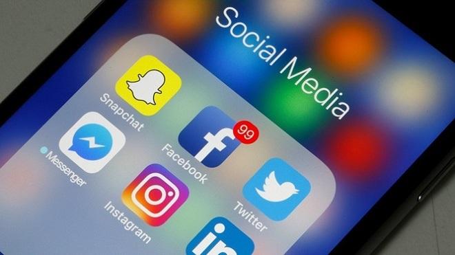 Sử dụng mạng xã hội đăng tin sai sự thật, Trưởng Khoa Lý luận Mác – Lê nin bị cách chức