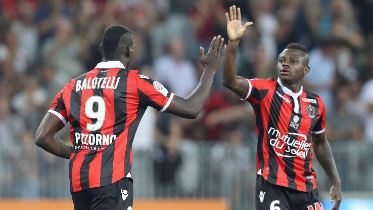 Đội khách Nice sẽ không có sự phục vụ của tiền đạo Balotelli ở trận lượt đi