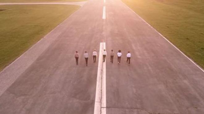 Đường băng xuất hiện trong MV của BTS trở thành điểm du lịch nổi tiếng