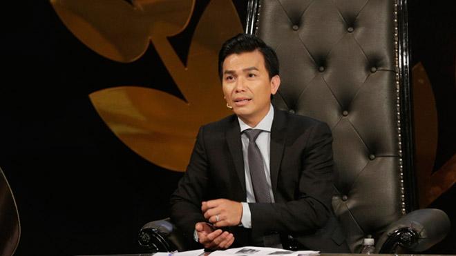 Mạnh Quỳnh 'khuyên' đàn ông Việt thể hiện tình cảm với vợ chốn đông người