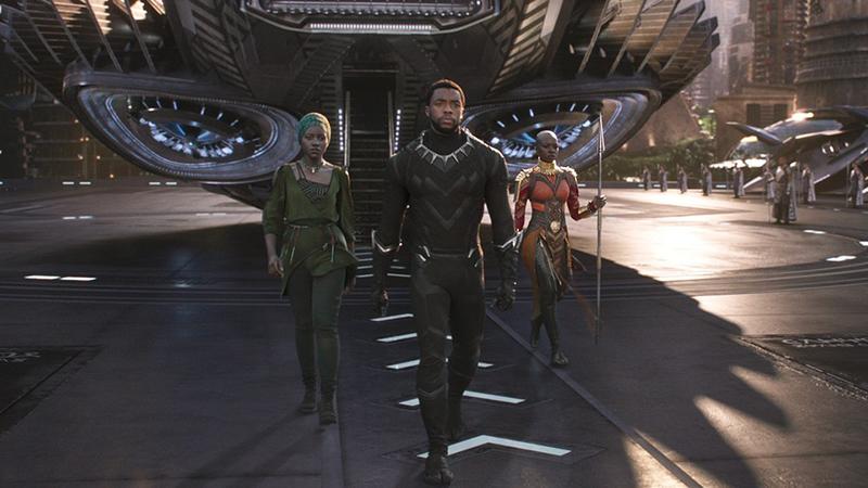 Tiết lộ quá trình thực hiện những bộ giáp 'thần thánh' trong bom tấn 'Black Panther'