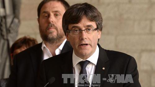 Tòa án Tây Ban Nha ra lệnh tiếp tục giam giữ 4 cựu lãnh đạo vùng Catalonia