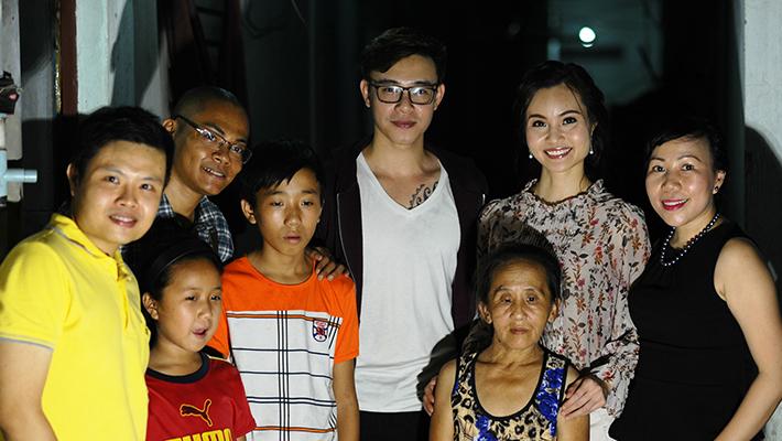 Đông Hùng và Thanh Trúc chung tay hỗ trợ người phụ nữ bán máu để mưu sinh