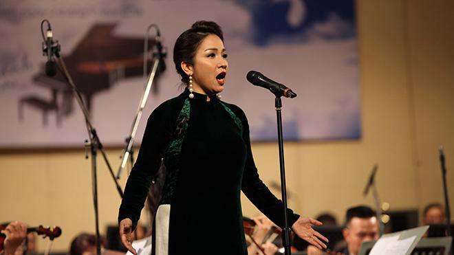 Hoà nhạc 'Điều còn mãi': Mỹ Linh, Đăng Dương thăng hoa cùng dàn nghệ sĩ Bắc - Nam