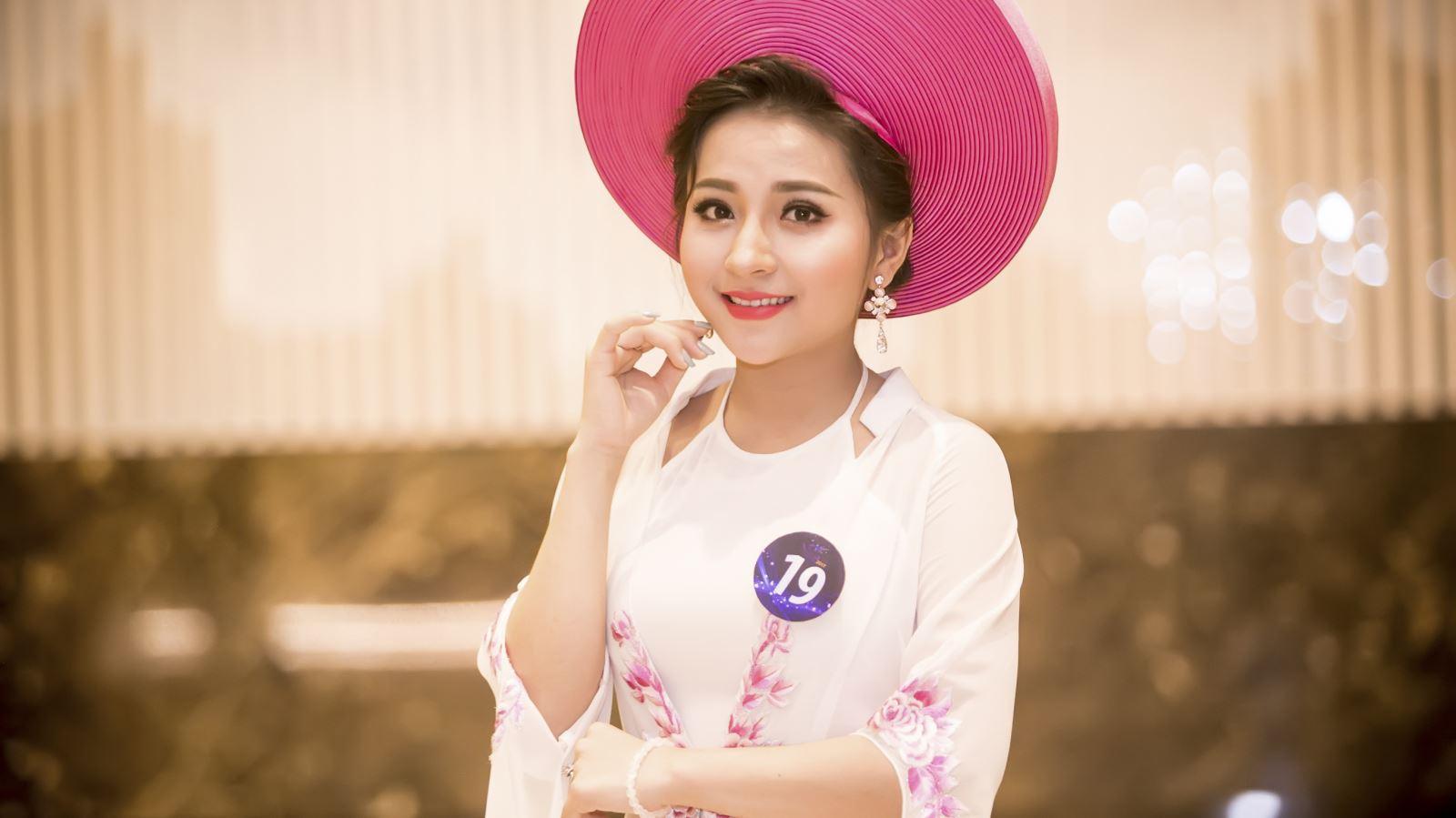 'Hot girl ví dặm' Phan Ngọc Ánh hát về Thăng Long xưa ở Sao Mai