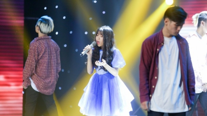 Vòng Trình diễn Giọng hát Việt nhí: Bất ngờ với mashup 'HongKong 1 - Thằng điên' phiên bản nhí