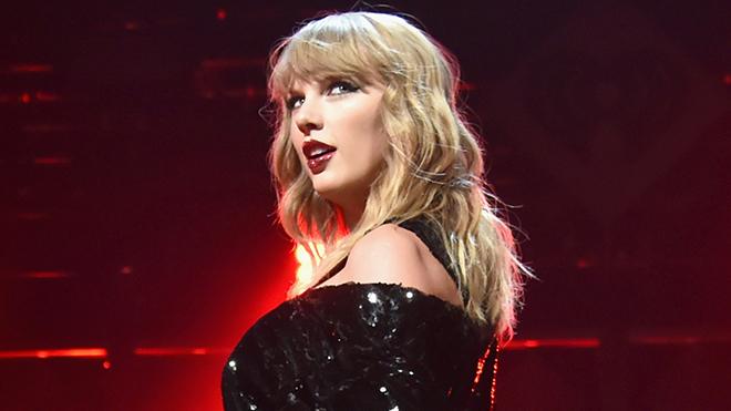 Taylor Swift lần đầu trải lòng về cảm giác bị gọi là 'rắn độc'