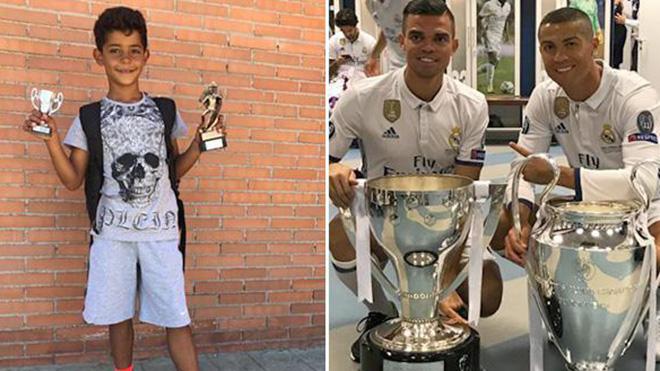 Con trai Ronaldo lại gây sốt khi giành cú đúp danh hiệu như bố