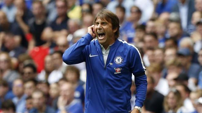 Đội hình Arsenal gấp đôi Chelsea, Wenger chỉ Conte cách bổ sung lực lượng