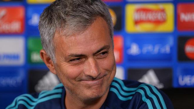 CHUYỂN NHƯỢNG M.U 22/8: Mourinho xa mặt chẳng cách lòng. Ibra sẵn sàng chịu thiệt. Martial đón cơ hội mới.
