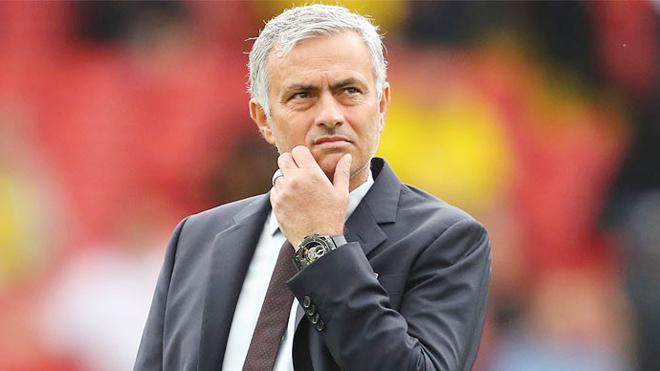 CHUYỂN NHƯỢNG M.U 24/8: Mourinho có một nỗi sợ. Lộ bí mật của De Gea. Định ngày Ibra trở lại