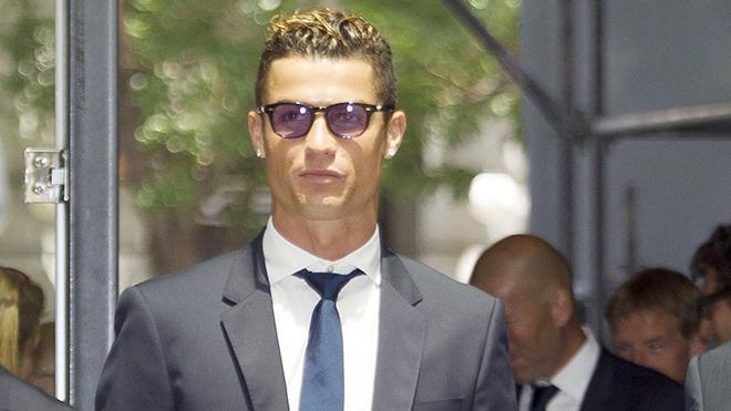 CẬP NHẬT sáng 5/8: Barca không trả 26 triệu euro cho Neymar. Ronaldo tuyên bố muốn trở lại Premier League