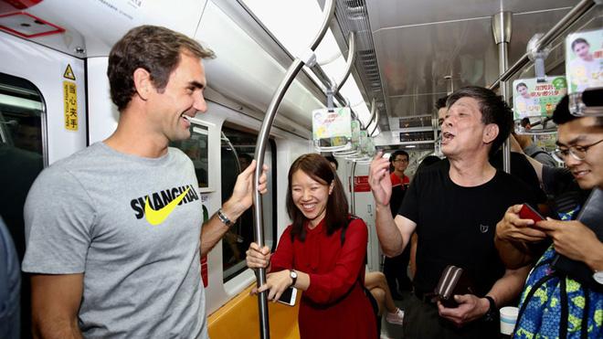 TENNIS ngày 11/10: Fan choáng vì độ thân thiện của Federer. Các tay vợt trẻ muốn Federer và Nadal... nghỉ hưu sớm