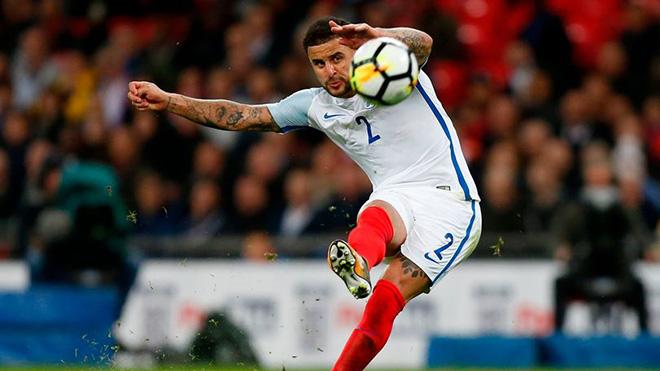 Người Anh nổi giận: 'Xin lỗi, Walker không phải là Beckham. Đừng để cậu ấy sút phạt'