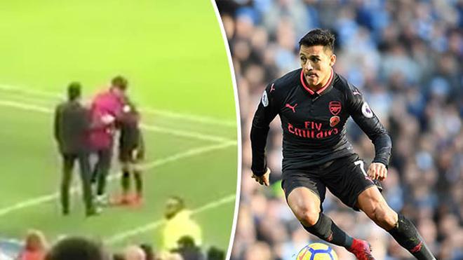 Fan Arsenal phẫn nộ với hành động của Sanchez sau trận thua Man City