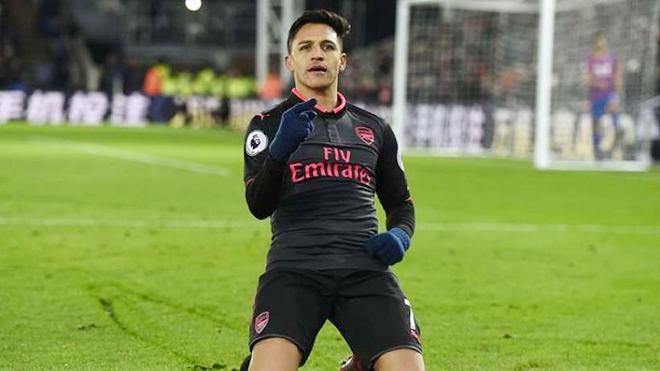 Lập cú đúp, giúp Arsenal áp sát Top 4, Sanchez vẫn bị CĐV mắng 'đá để đấu giá'