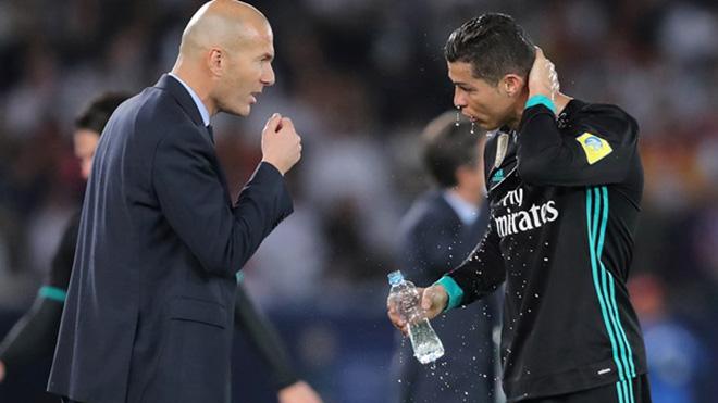 Real Madrid rối loạn: Zidane nổi giận, nhốt cầu thủ trong phòng, Marcelo chửi thề