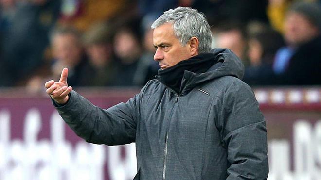 TIN HOT M.U 9/2: Mourinho gây sốc với một hậu vệ. Diễn biến mới vụ De Gea sang Real