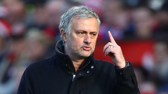 CẬP NHẬT sáng 10/3: Mourinho chửi khéo Neville. Chelsea đạt thoả thuận với Enrique. Guardiola bị phạt