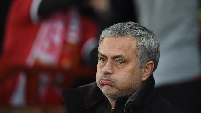 CẬP NHẬT sáng 17/3: Mourinho chỉ hài lòng với 2 cầu thủ M.U. Real đạt thoả thuận với Lewandowski