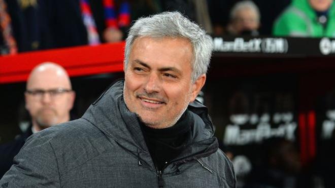 TIN HOT M.U 8/3: Mourinho liên tục được khen ngợi. Nedved sang Anh gặp đại diện Martial