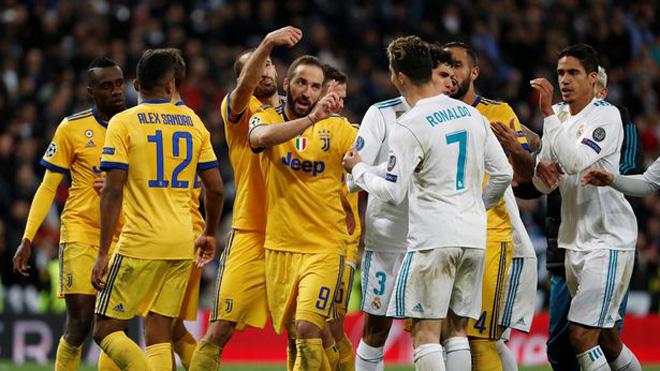 Hậu vệ Chiellini của Juventus vẫy tiền ám chỉ Real Madrid mua trọng tài