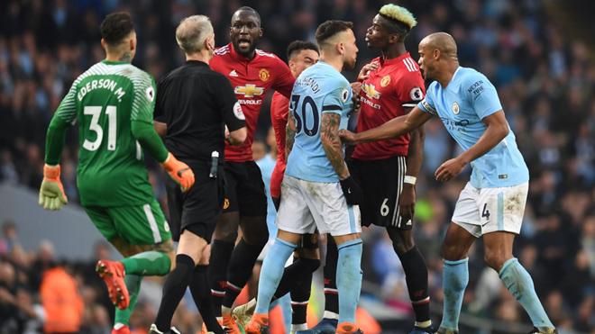 TIẾT LỘ: Cầu thủ M.U đã xúc phạm và trả thù Man City sau derby Manchester
