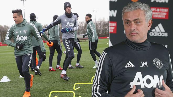 Mourinho: 'Tôi nhắc lại mục tiêu số 1 của tôi là... về nhì'