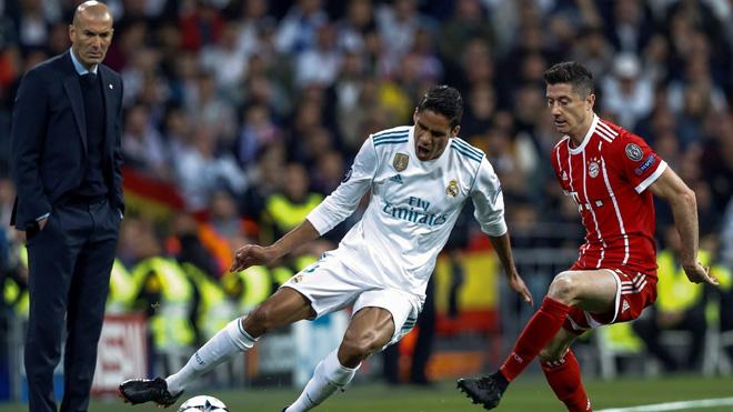 Zidane: 'Thật tốt khi Real khốn khổ trước Bayern'. Heynckes mắng Sven Ulreich 'chập mạch'