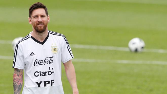 TIN HOT World Cup 28/6: Messi khoe bùa may mắn. Brazil trả đũa Toni Kroos. Hậu vệ Mexico đi vào lịch sử