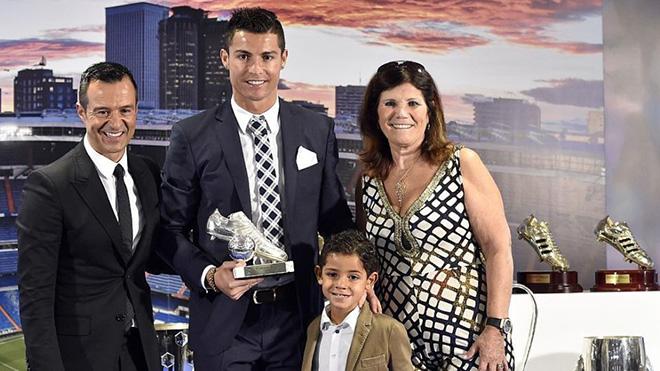 CẬP NHẬT sáng 10/7: Ronaldo làm lu mờ ngày ra mắt Emre Can. Croatia trục xuất HLV khỏi World Cup