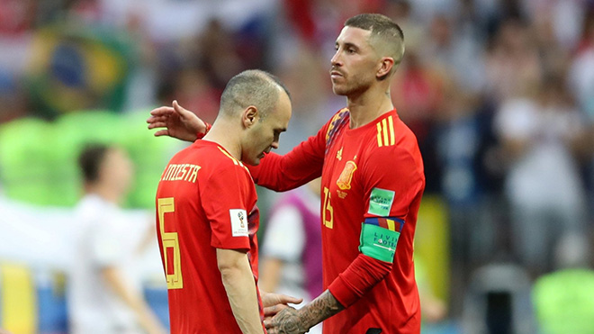 CẬP NHẬT sáng 2/7: Iniesta giã từ tuyển Tây Ban Nha. De Gea rời World Cup với thống kê tệ hại