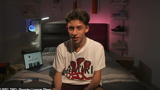 Chân dung chàng trai 17 tuổi chuyên tư vấn trang phục cho Pogba, Aubameyang, De Bruyne