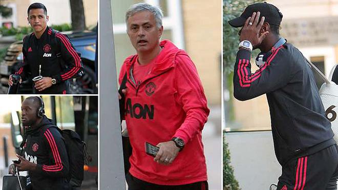 TIN HOT M.U 29/9: Mourinho và Pogba quyết tránh mặt nhau. Zidane học tiếng Anh để thay Mourinho?