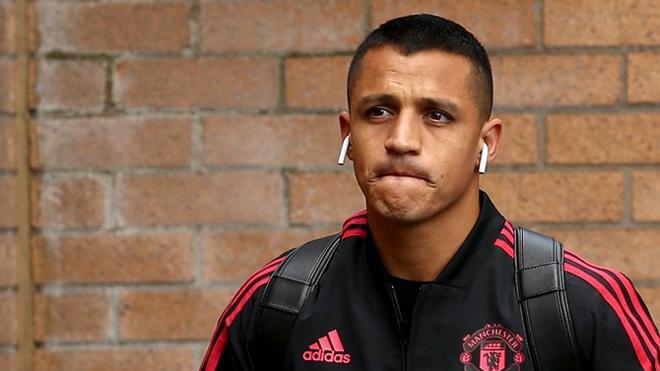 TIN HOT M.U 6/9: Sanchez bị ép bỏ tuyển. John Terry về Old Trafford?