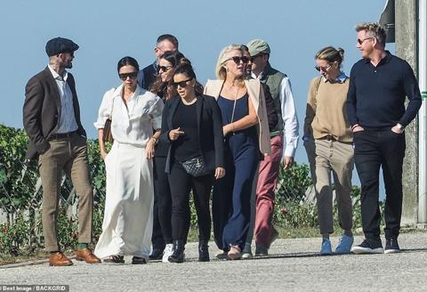 Beckham, David Beckham, Beckham ở Paris, Beckham ra mắt xe, Vinfast, Vinfast ra mắt xe, Victoria, vợ chồng Beckham, Becks, Beckham quảng cáo Vinfast