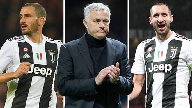 Mourinho bị mắng vì bảo Bonucci và Chiellini đến Harvard dạy đá hậu vệ
