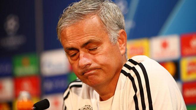TIN HOT M.U 4/10: UEFA phạt M.U. Xuất hiện ứng viên đặc biệt thay Mourinho