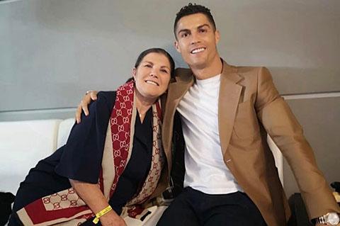 Xuân Trường sang Thái Lan, Xuân Trường gia nhập Buriram United, mẹ Ronaldo ung thư, chuyển nhượng MU, Phil Jones gia hạn, Solskjaer, Man United, M.U, Sala