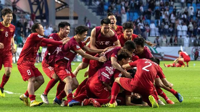 CẬP NHẬT sáng 8/2: Tuyển Việt Nam thăng bậc trên BXH FIFA. M.U dốc sức vì 'Ronaldo mới'. Tìm thấy thi thể Emiliano Sala