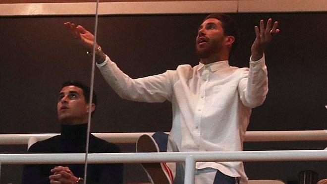 'Tẩy thẻ' rồi phải chứng kiến Real bị Ajax loại, Sergio Ramos thành trò cười ở Bernabeu