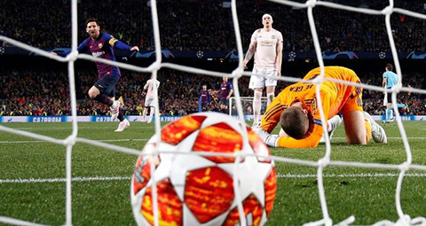 Barca 3-0 MU, video Barca 3-0 MU, kết quả Barca vs MU, Barcelona vs MU, kết quả bóng đá, ket qua bong da, ket qua Cúp C1, De Gea, De Gea sai lầm, De Gea thảm họa