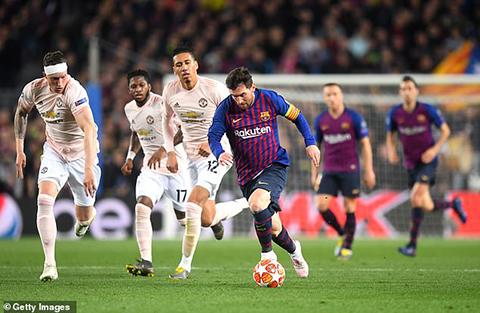 Barca vs MU, kết quả Barca vs MU, video Barca 3-0 MU, Messi hành hạ Phil Jones, Messi vs Phil Jones, Messi xâu kim Phil Jones, tứ kết Cúp C1, Messi, Phil Jones, Barca, MU