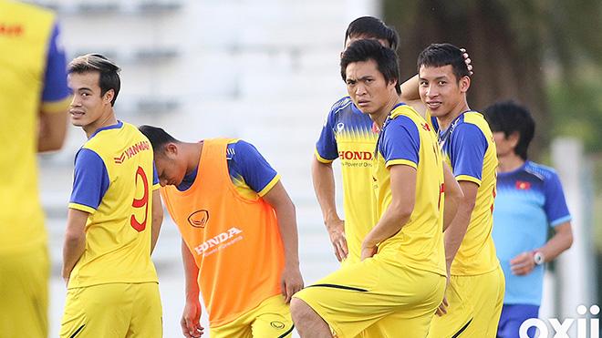 CẬP NHẬT sáng 8/6: Việt Nam rèn bài tủ đấu Curacao. Thầy Park chỉ đạo U23 thắng Myanmar. MU công bố tân binh