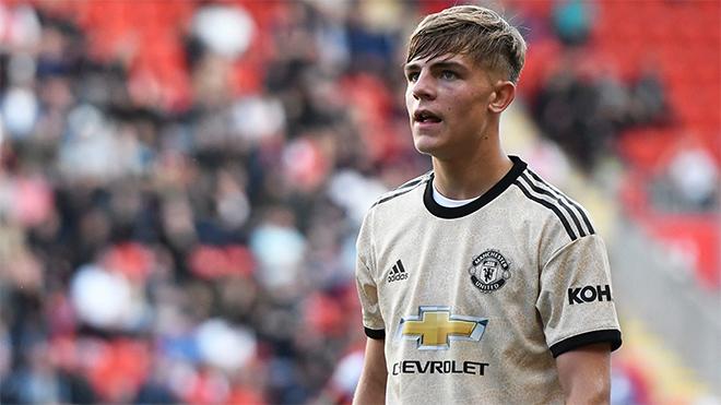 Tin bóng đá MU hôm nay: 'Vua kiến tạo' 18 tuổi thay Shaw. Loạn thông tin Sanchez ra mắt Inter