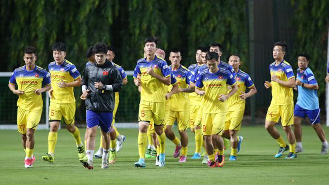 Bóng đá hôm nay 1/9: Tuyển Việt Nam loại 3 người. MU gạch tên Pogba. Liverpool đại thắng