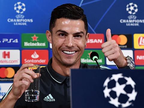 Ronaldo nói gì khi lần thứ 16 được đề cử danh hiệu Quả bóng Vàng?
